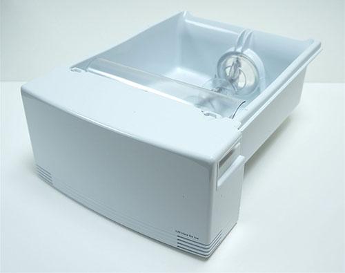 GE GSE25KETNFWW Refrigerator Ice Bucket