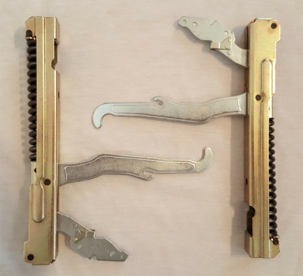 """New 30"""" Thermador 00487746, 487746 Hinge Kit (2 Hinges) One Year Warranty"""