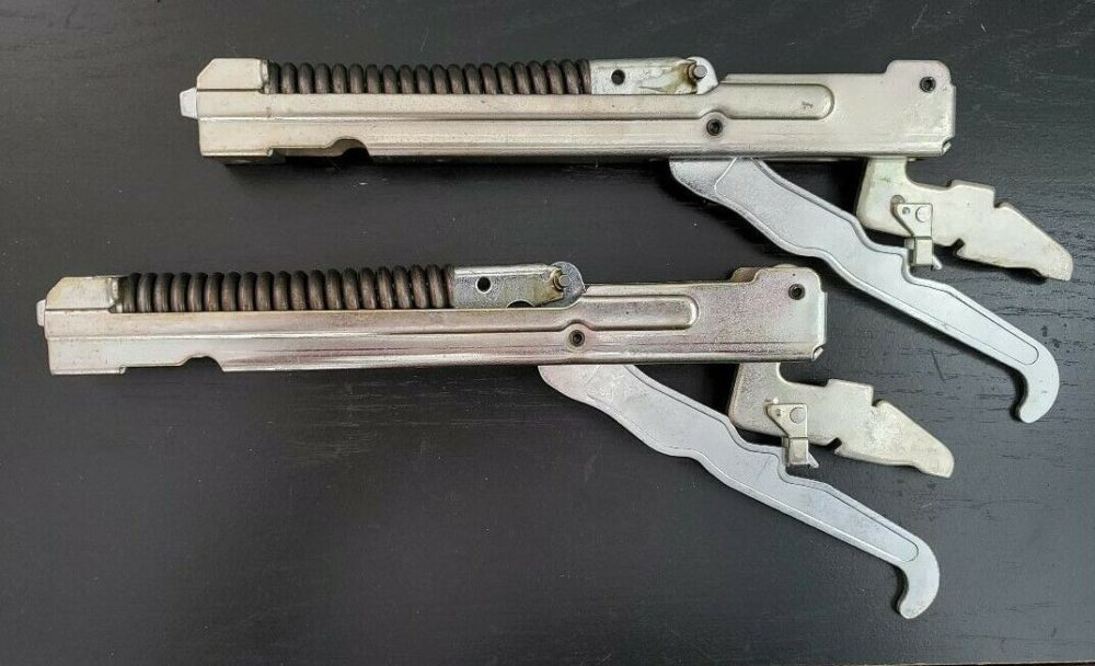 GE WB10X5226 Range/Oven Door Hinge Set (2 hinges)