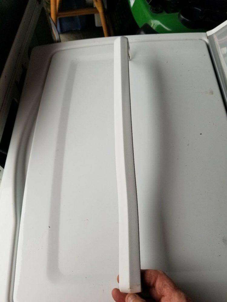 Whirlpool 2202098-Freezer Door Handle WP2202098 PS330400