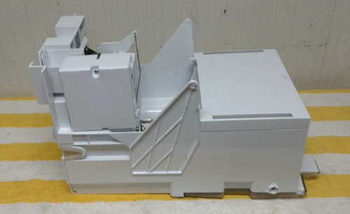 Bosch Refrigerator Ice Maker Frame 00673989